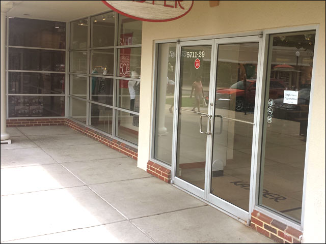 retail glass storefront glass installation