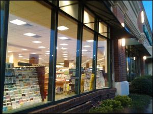 williamsburg storefront glass